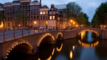 Amsterdam Language Experience Partners With MixTree Languages English Institute